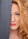 Retrato do close up do trabalhador da construção 'sexy' da jovem mulher da forma Imagens de Stock