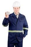 Retrato do coordenador novo que guardara um cartão Foto de Stock Royalty Free