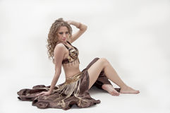Retrato do dançarino de barriga bonito Foto de Stock
