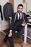 Retrato do desenhador de moda considerável foto de stock