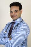 Retrato do doutor indiano novo Fotografia de Stock Royalty Free