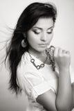 Retrato do encanto da mulher sensual nova Fotografia de Stock Royalty Free