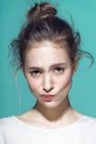 Retrato do encanto do modelo bonito da mulher com Imagem de Stock Royalty Free