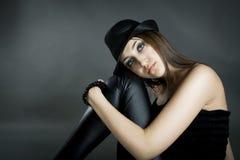 Retrato do estúdio da menina do encanto Fotografia de Stock Royalty Free