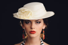 Retrato do estúdio da menina 'sexy' bonita Fotografia de Stock Royalty Free