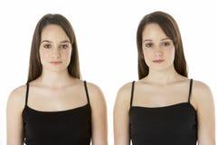 Retrato do estúdio de gêmeos adolescentes Fotografia de Stock