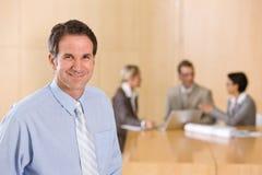 Retrato do executivo masculino considerável Imagem de Stock
