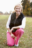 Retrato do exercício sênior da mulher Foto de Stock Royalty Free