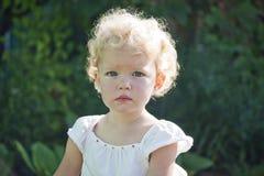 Retrato do fim do bebê acima imagens de stock royalty free