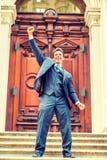 Retrato do funcionamento americano do homem de negócios da Idade Média bem sucedida mim Fotografia de Stock