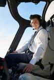 Retrato do helicóptero de In Cockpit Of do piloto durante o voo fotos de stock royalty free
