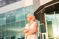 Retrato do hijab vestindo da mulher muçulmana asiática bonita nova fotos de stock royalty free