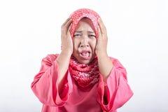 Retrato do hijab vestindo da senhora muçulmana asiática imagem de stock