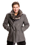Retrato do homem considerável no lenço e no revestimento Imagem de Stock Royalty Free