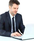 Retrato do homem de negócio seguro novo Foto de Stock