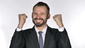 Retrato do homem de negócios da barba que comemora o sucesso video estoque