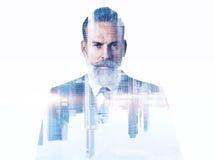 Retrato do homem de negócios farpado Exposição dobro foto de stock royalty free