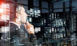 Retrato do homem de negócios pensativo Meios mistos Foto de Stock