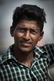 Retrato do homem indiano no mercado local da manhã em Hospet, Karnata fotografia de stock