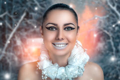 Retrato do inverno da mulher foto de stock royalty free