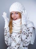 Retrato do inverno de um woma bonito Fotografia de Stock