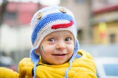 Retrato do inverno do menino toddler imagem de stock royalty free