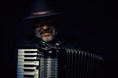 Retrato do jogador do acordeão Fotos de Stock