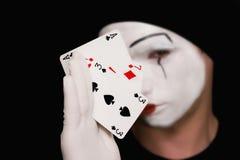 Retrato do mime com cartões de jogo Foto de Stock Royalty Free