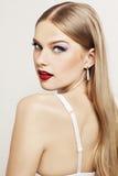 Retrato do modelo bonito com cara surpreendida Fotos de Stock Royalty Free