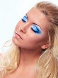 Retrato do modelo bonito da mulher no fundo branco fotos de stock royalty free