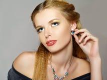 Retrato do modelo de forma novo bonito foto de stock royalty free