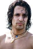 Retrato do modelo masculino muscular na praia Imagens de Stock