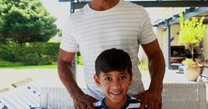 Retrato do pai e do filho felizes 4k filme