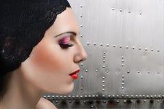 Retrato do perfil da mulher nova Imagens de Stock