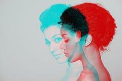 Retrato do perfil do close up da beleza da mulher bonita Imagens de Stock Royalty Free