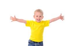 Retrato do rapaz pequeno elegante na camisa amarela imagens de stock royalty free