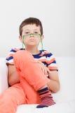 Retrato do rapaz pequeno sério da criança Imagem de Stock Royalty Free