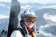 Retrato do snowboardr nas montanhas Imagens de Stock Royalty Free