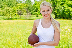 Retrato do sportswoman do rugby Foto de Stock Royalty Free