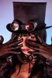 Retrato do tophat desgastando da menina gótico Fotografia de Stock