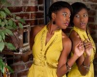 Retrato do vintage com espelho Fotos de Stock Royalty Free