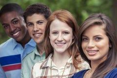 Retrato dos adolescentes no parque Fotografia de Stock