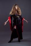 Jovens mulheres no vestido longo preto Imagem de Stock Royalty Free