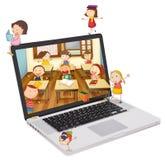 Retrato dos estudantes da escola em um portátil Foto de Stock Royalty Free