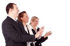 Retrato dos executivos bem sucedidos que aplaudem Imagens de Stock