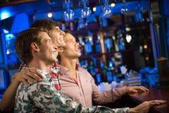 Retrato dos fãs na barra Foto de Stock Royalty Free