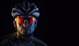 Retrato dramático del primer del ciclista fotografía de archivo libre de regalías