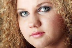 Retrato emocional con los rasgones en la cara Imagenes de archivo