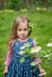 Retrato emocional de uma menina surpreendida Fotografia de Stock Royalty Free