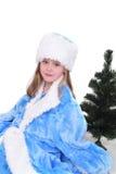 Retrato emocional de una muchacha alegre en vestido azul en el fondo blanco Año Nuevo Fotos de archivo libres de regalías